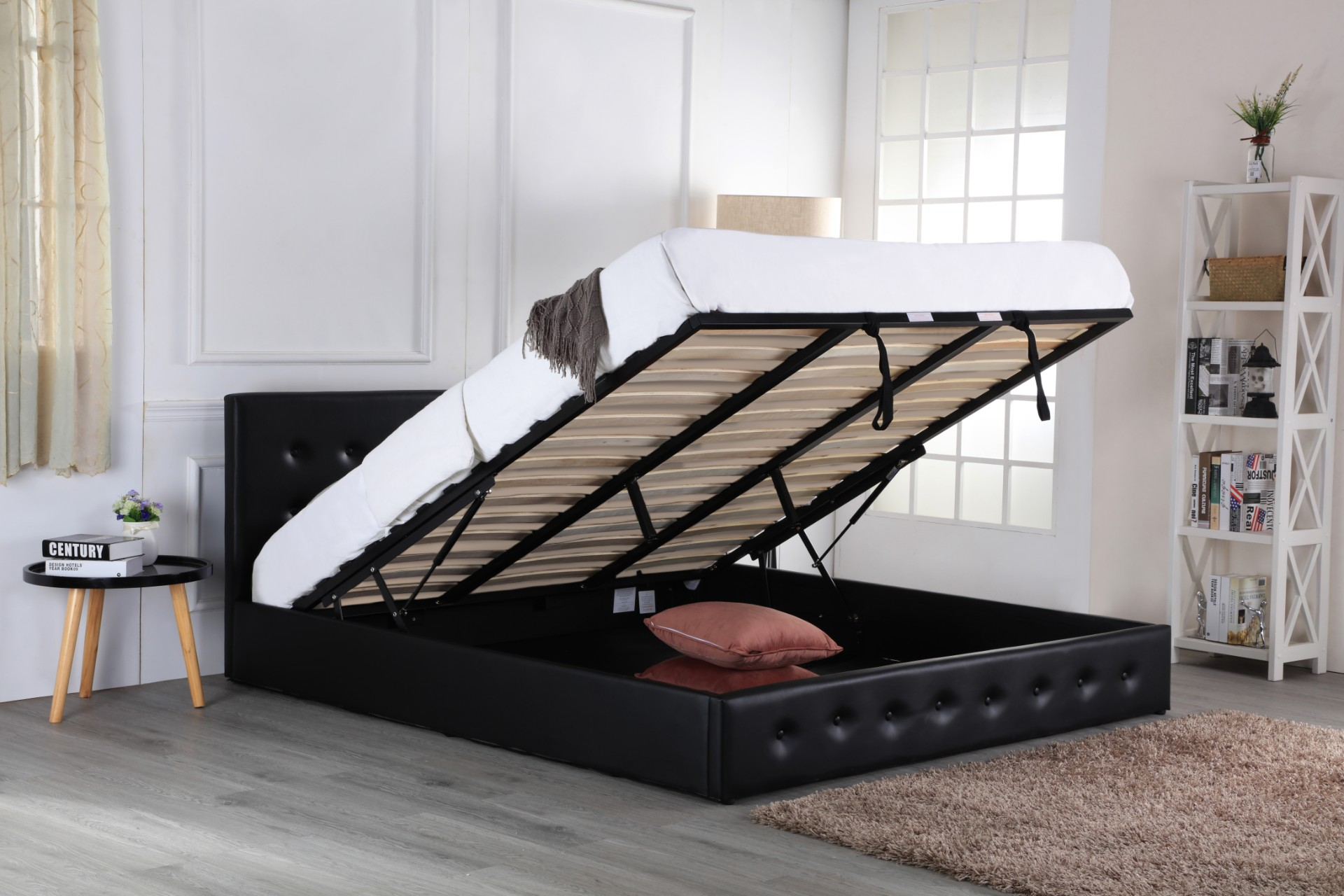 sovereign Ottoman bed black 1